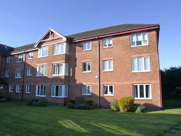 1 Bedroom Retirement Property for sale in 10 Clyde Court, 123 West Clyde Street, Helensburgh, G84 8EU