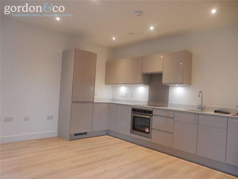 1 Bedroom Flat for sale in Deauville Close, Poplar, London, E14