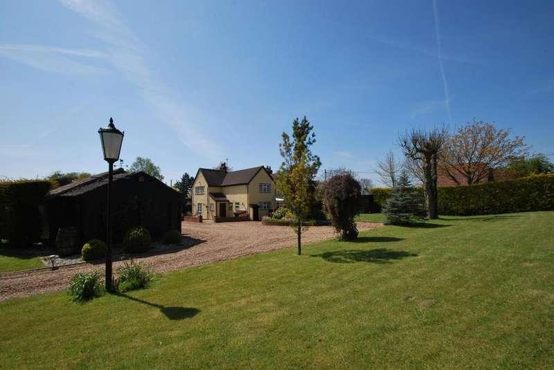 5 Bedrooms Semi Detached House for sale in Radley Green, Ingatestone, Essex, CM4