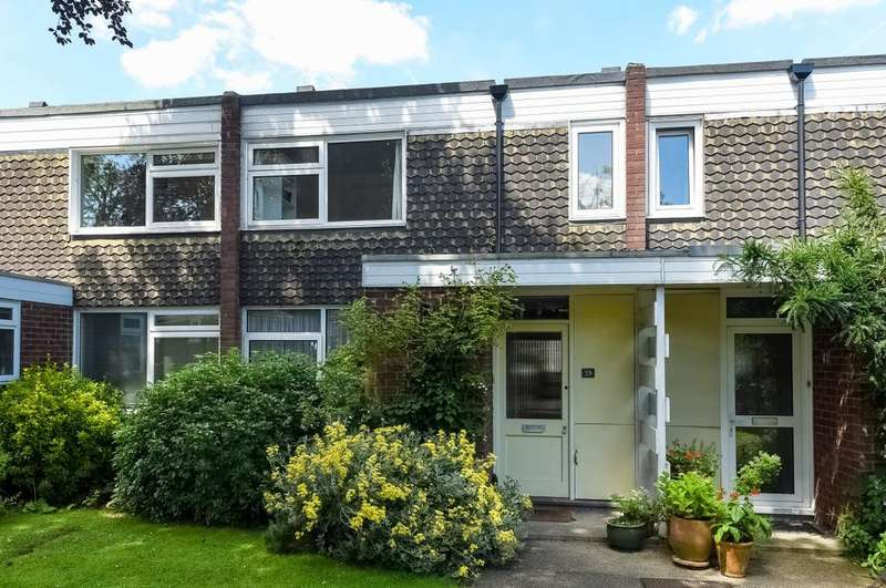 3 Bedrooms Terraced House for sale in Belmont Park London SE13