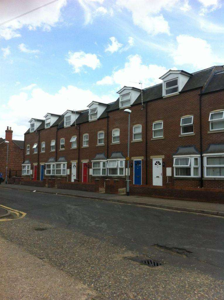 2 Bedrooms Detached House for sale in Investment Opportunity,Hartley Street
