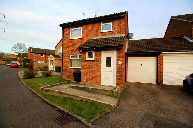 3 Bedrooms Detached House for sale in Huntswood, ASHFORD, TN23