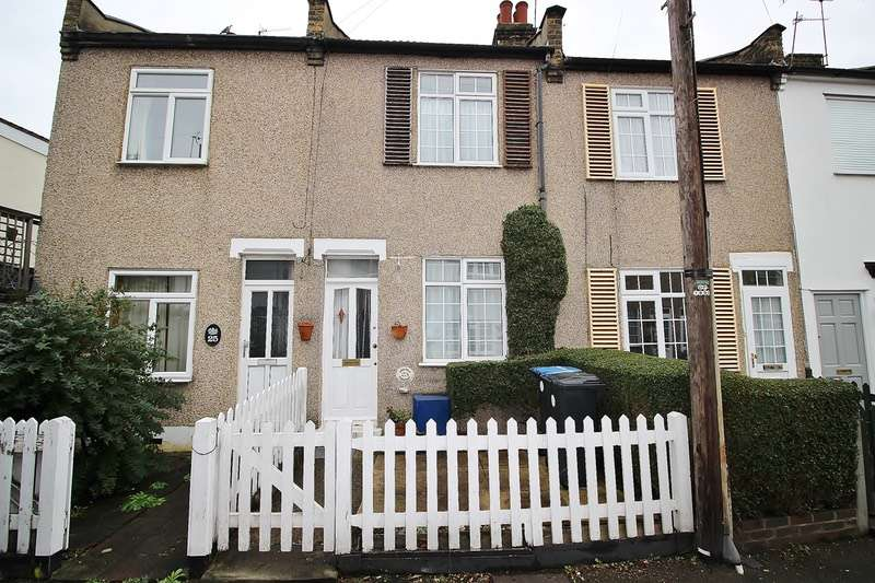 2 Bedrooms Terraced House for sale in Batley Road, Enfield, Middlesex, EN2