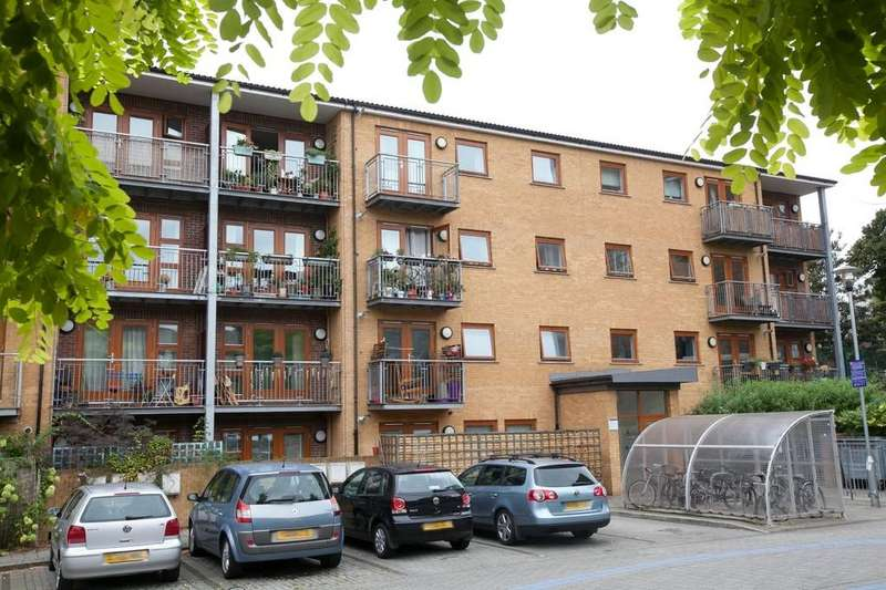 1 Bedroom Apartment Flat for sale in George Downing Estate