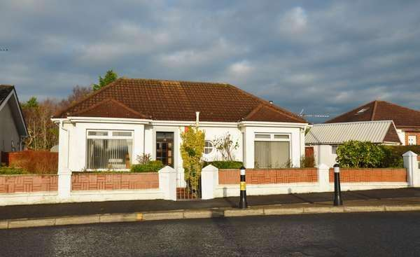 2 Bedrooms Detached Bungalow for sale in 19 Kilmarnock Road, Monkton, Prestwick, KA9 2RJ