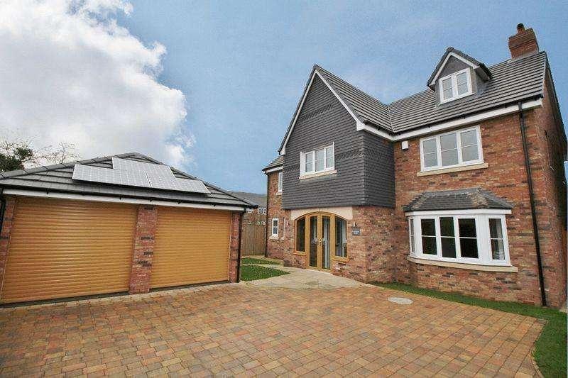 5 Bedrooms Detached House for sale in Waterside House, Kings Road, Calf Heath, Wolverhampton