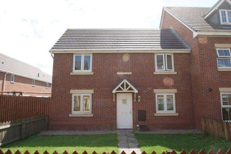 3 Bedrooms Semi Detached House for sale in Maddren Way, Middlesbrough TS5 5BD