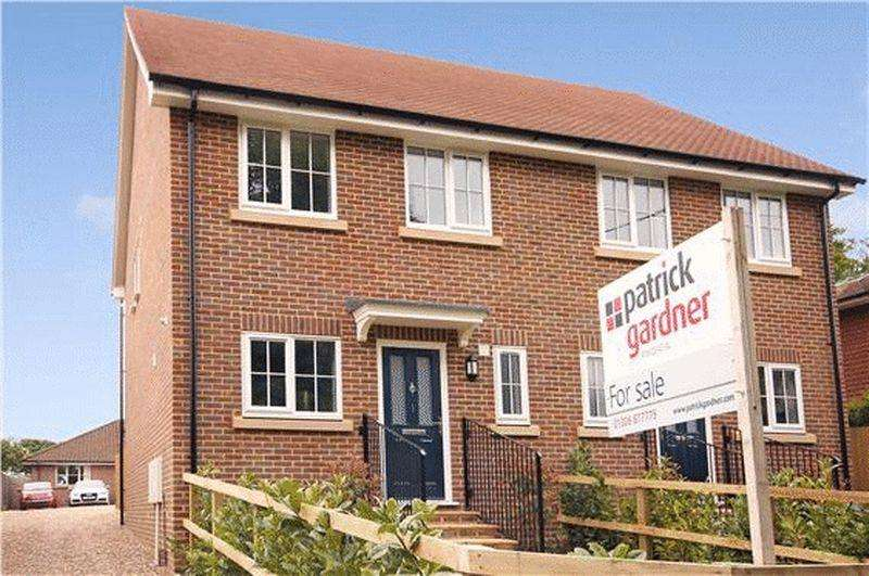 3 Bedrooms Semi Detached House for sale in NEWDIGATE, Nr DORKING