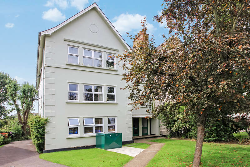 2 Bedrooms Flat for sale in Berrylands Road, Surbiton
