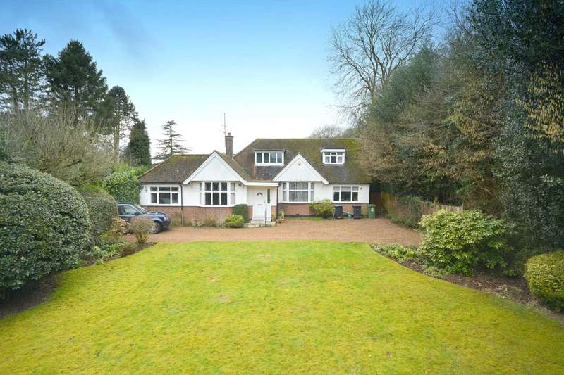 4 Bedrooms Detached Bungalow for sale in Long Lane, Bovingdon HP3