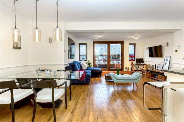 2 Bedrooms Flat for sale in Wapping Lane, London