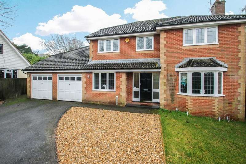 5 Bedrooms Detached House for sale in River Close, Four Marks, Hampshire