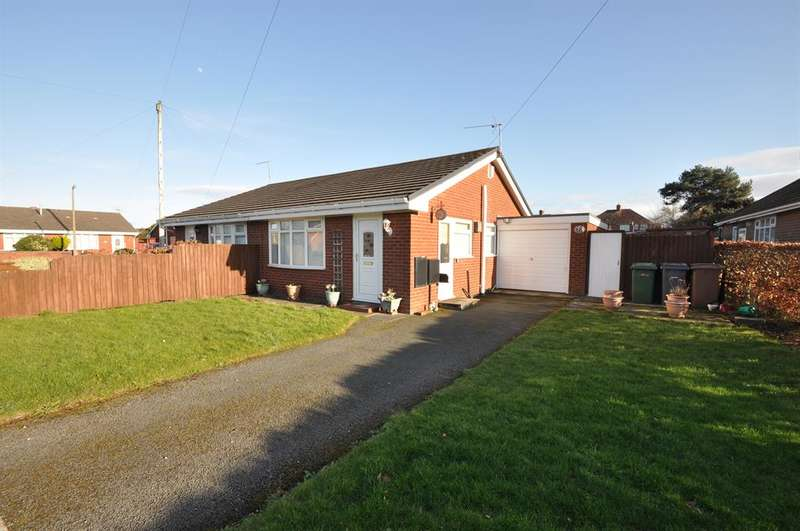 2 Bedrooms Semi Detached Bungalow for sale in Broster Avenue, Moreton, Wirral, CH46 6DX