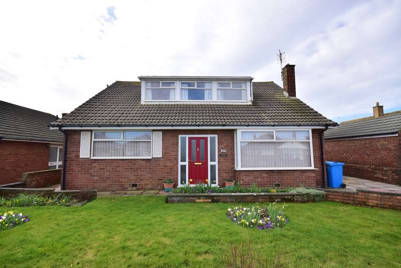 4 Bedrooms Semi Detached Bungalow for sale in Salcombe Road, Lytham St Annes, FY8
