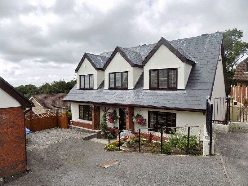 5 Bedrooms Detached House for sale in The Woodlands , Brackla, Bridgend. CF31 2JF