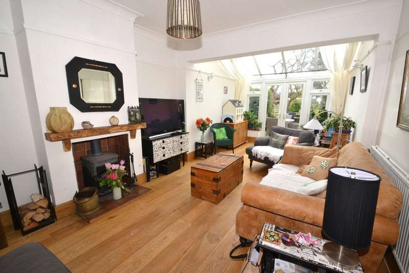 3 Bedrooms Semi Detached House for sale in 15 GUITHAVON RISE, WITHAM, Essex, CM8