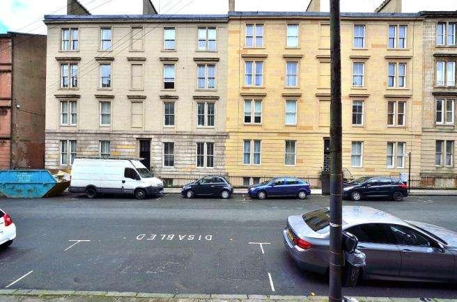 4 Bedrooms Flat for rent in West End Park Street, Woodlands, Glasgow
