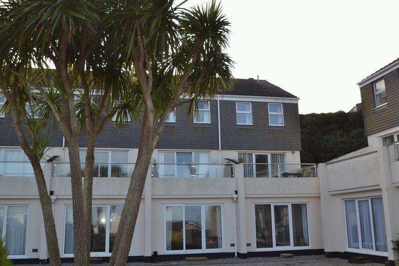 2 Bedrooms Apartment Flat for sale in Carthew, St Ives, Cornwall