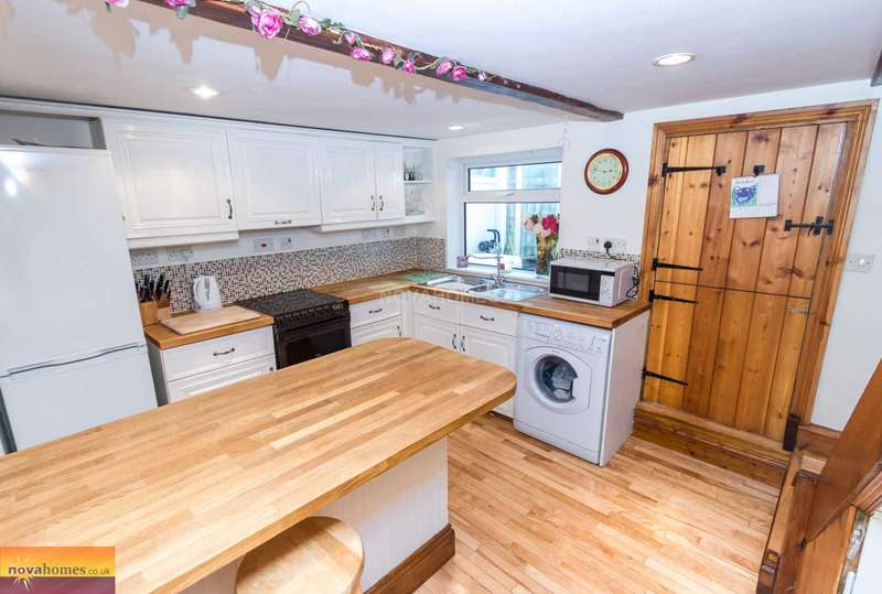 2 Bedrooms Cottage House for sale in Fore Street, Yelverton, PL20