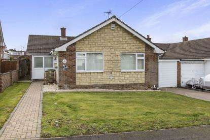 2 Bedrooms Bungalow for sale in Horndean, Hampshire