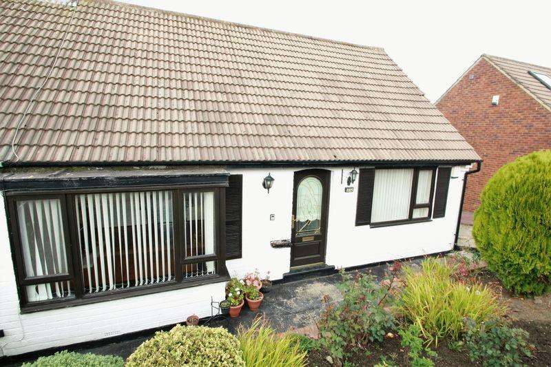 2 Bedrooms Semi Detached Bungalow for sale in Farmbank Road, Ormesby, Middlesbrough, TS7 9EE