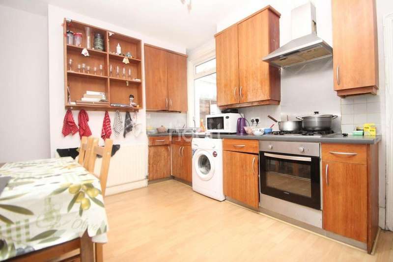 3 Bedrooms Terraced House for sale in Richford Road, Stratford, London, E15