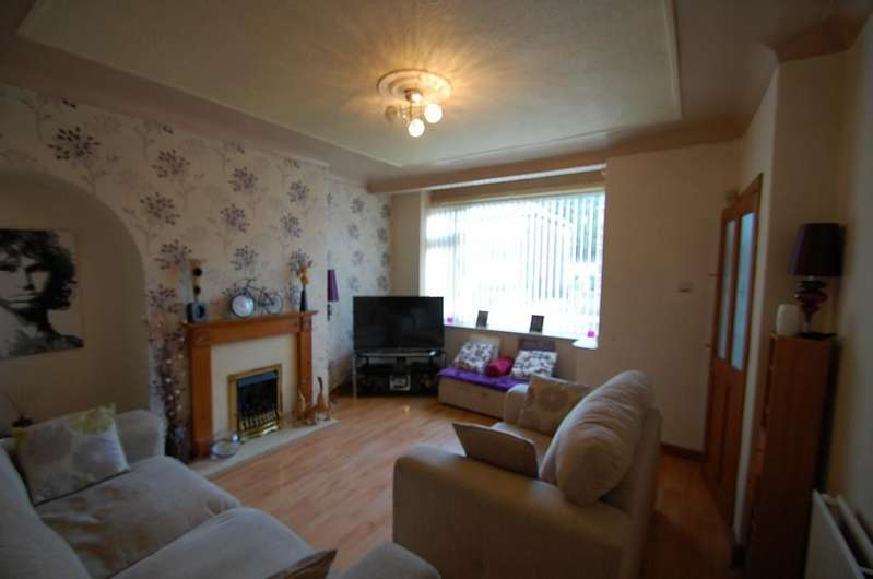 3 Bedrooms Semi Detached House for sale in Hertford Street, Mill Hill, Blackburn