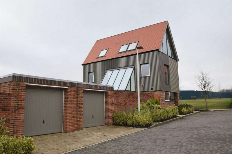 4 Bedrooms Detached House for sale in Elliotts Way, Horsted Park, Chatham, Kent