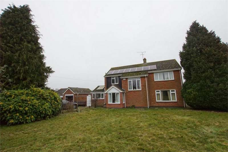 3 Bedrooms Detached House for sale in Fair Acres, Daventry Road, Nr Southam, Warwickshire