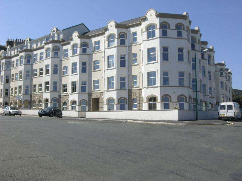 2 Bedrooms Apartment Flat for sale in Queens Pier Apartments, Ramsey