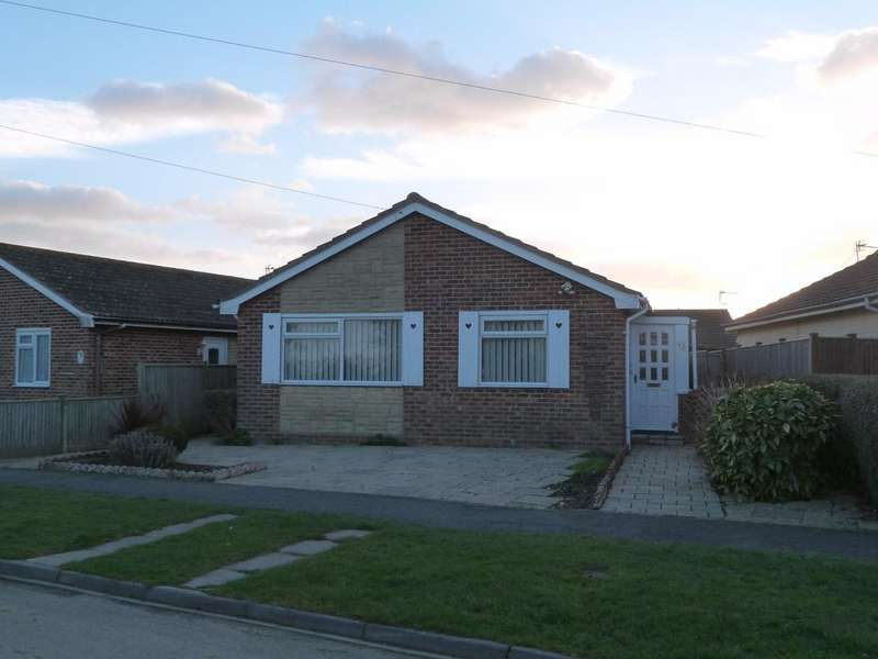 2 Bedrooms Detached Bungalow for sale in Drift Road, Selsey