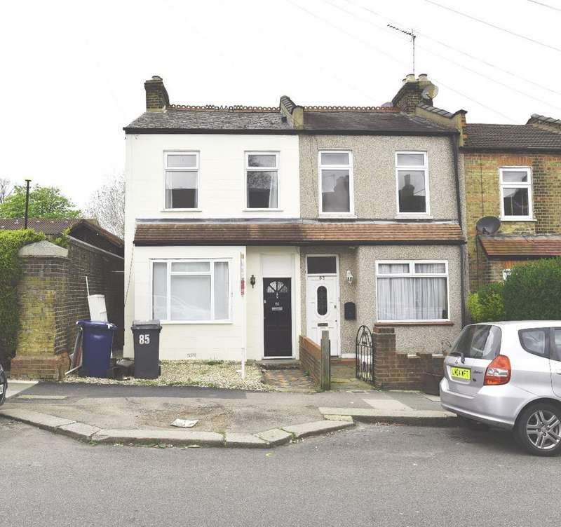 2 Bedrooms Terraced House for sale in Brunswick Crescent, London, N11 1EE