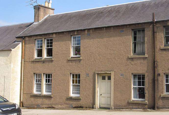 2 Bedrooms Flat for sale in 52 Castlegate, Jedburgh, TD8 6BB