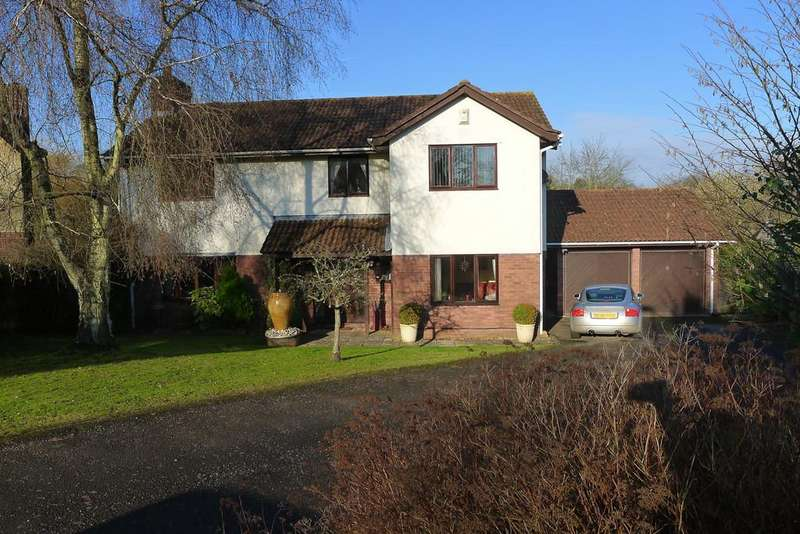 4 Bedrooms Detached House for sale in Ton Road, Llangybi