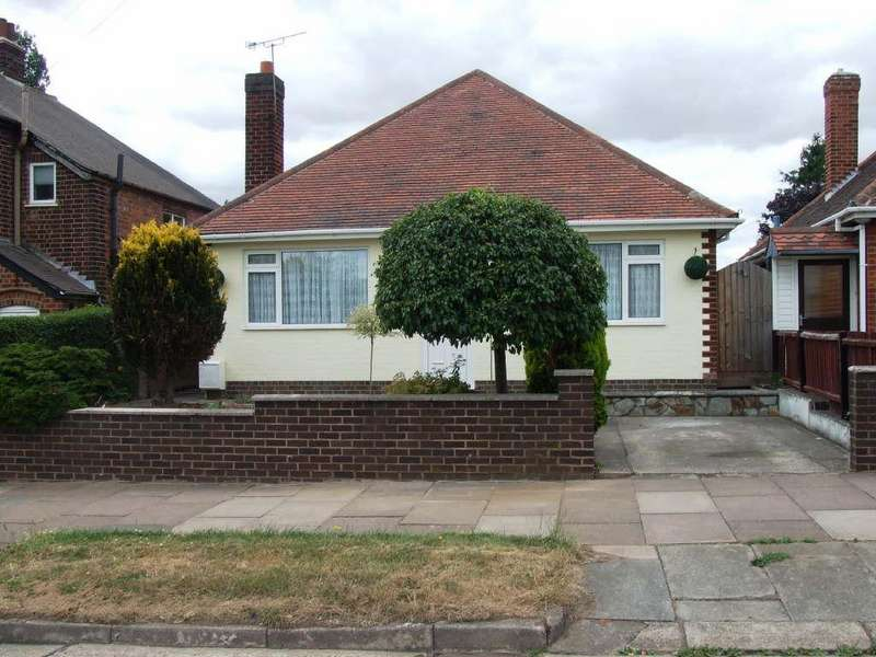 3 Bedrooms Detached Bungalow for sale in Hill Rise, Thurmaston, Leicester, Leicestershire, LE4 9TB