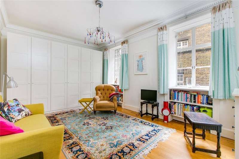 2 Bedrooms Flat for sale in Newton Court, 53-59 Kensington Church Street, London
