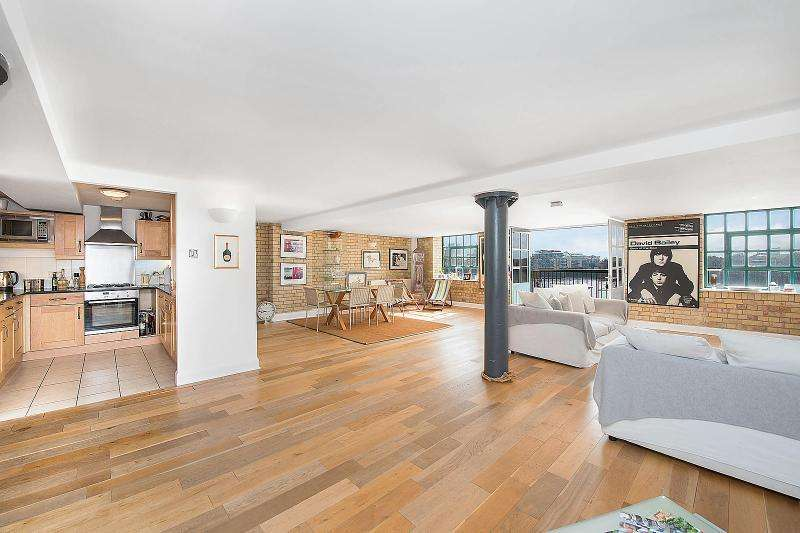 2 Bedrooms Apartment Flat for sale in Merchant Court, 61 Wapping Wall, London, E1W