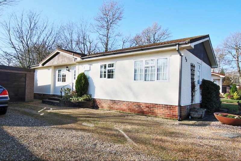 3 Bedrooms Park Home Mobile Home for sale in Deer Haven, Deanland Wood Park, Golden Cross, Hailsham BN27