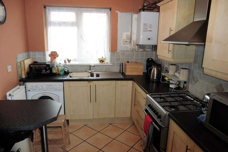 3 Bedrooms Apartment Flat for sale in Ashwell Court, London Road, TW15