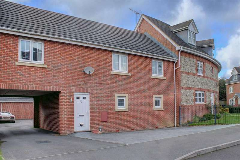 2 Bedrooms Flat for sale in Goldcrest Way, Four Marks, Alton