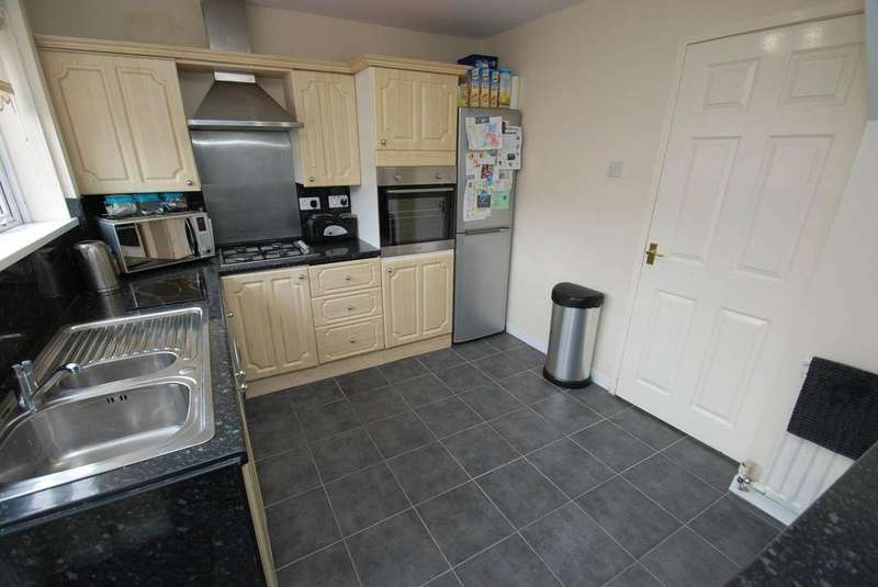 3 Bedrooms Semi Detached House for sale in Steward Crescent, South Shields