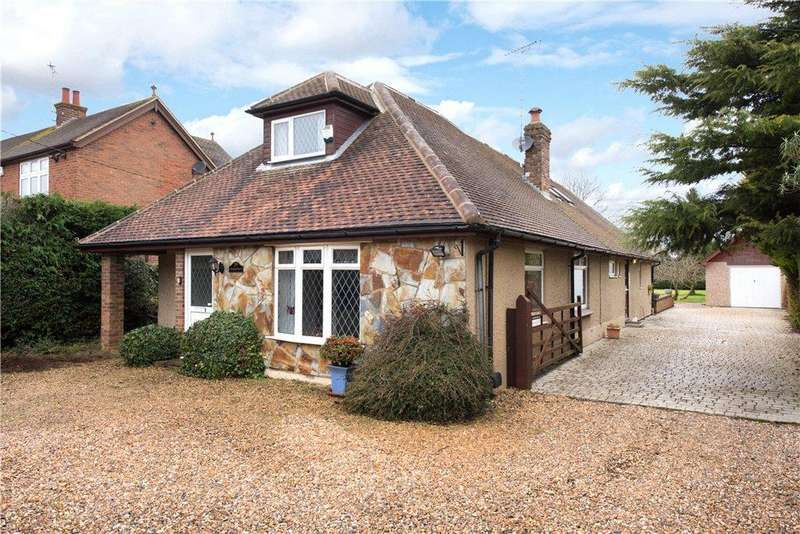 5 Bedrooms Detached House for sale in Marroway, Weston Turville, Aylesbury, Buckinghamshire