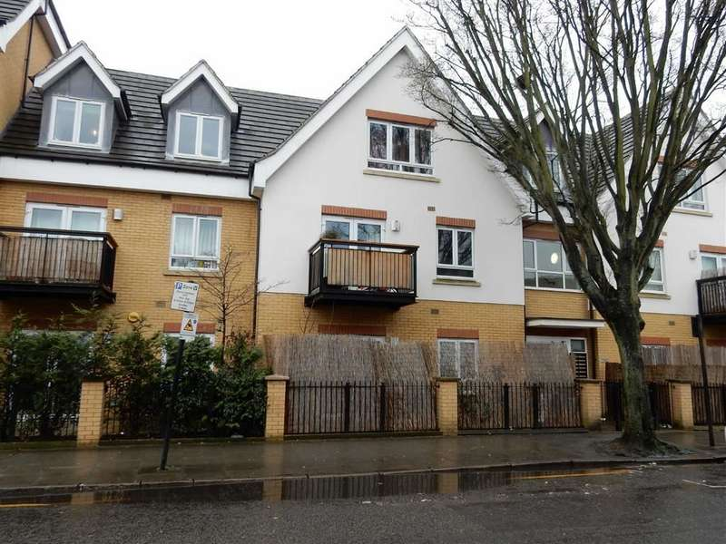 1 Bedroom Property for sale in Featherstone Court, Southall, Middlesex