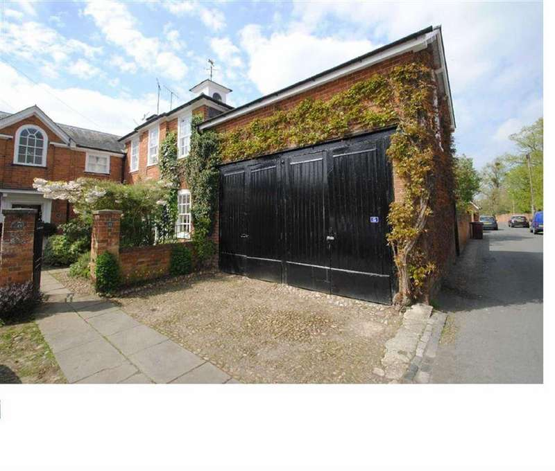 4 Bedrooms Link Detached House for rent in Surley Row, Emmer Green, Reading
