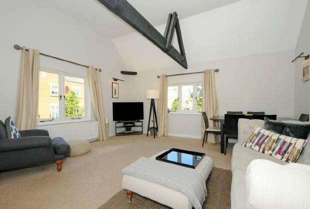 2 Bedrooms Apartment Flat for sale in Longbourn Windsor