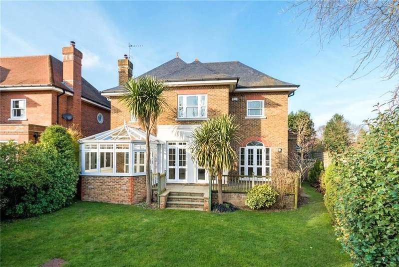 5 Bedrooms Detached House for sale in Charlotte Court, Esher, Surrey, KT10