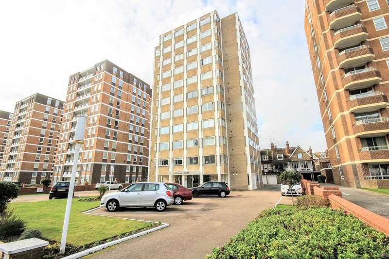 2 Bedrooms Flat for sale in Grand Avenue, HOVE, BN3