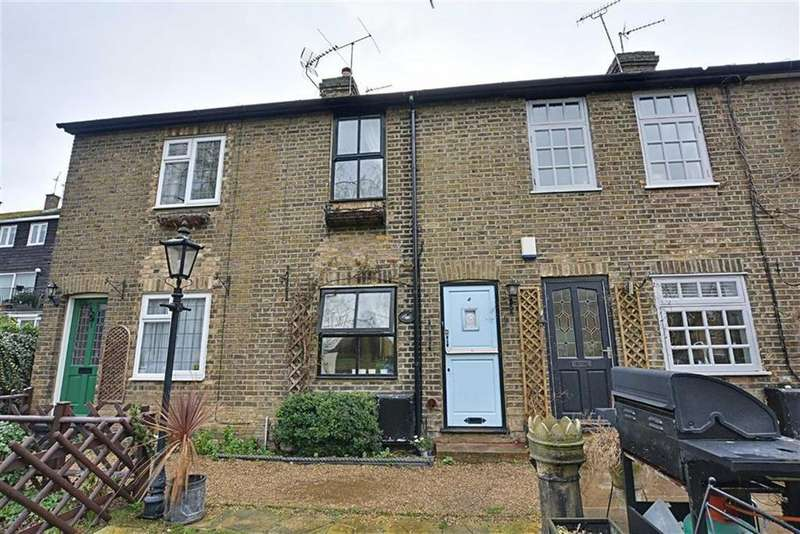 2 Bedrooms Terraced House for sale in Riverside Cottages, Stanstead Abbotts, Hertfordshire, SG12