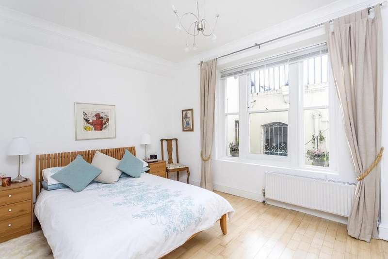 1 Bedroom Flat for sale in Westbourne Terrace Mews, Bayswater, W2