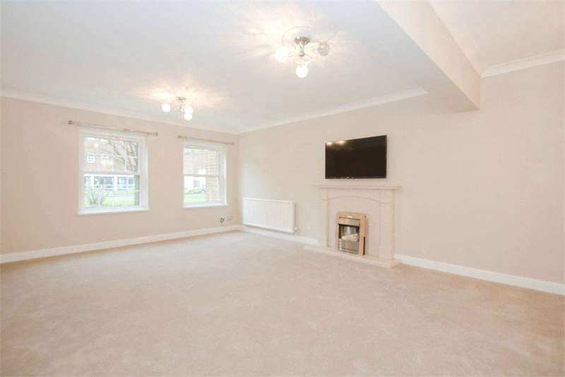 1 Bedroom Flat for sale in Bulstrode Court, Gerrards Cross, Buckinghamshire